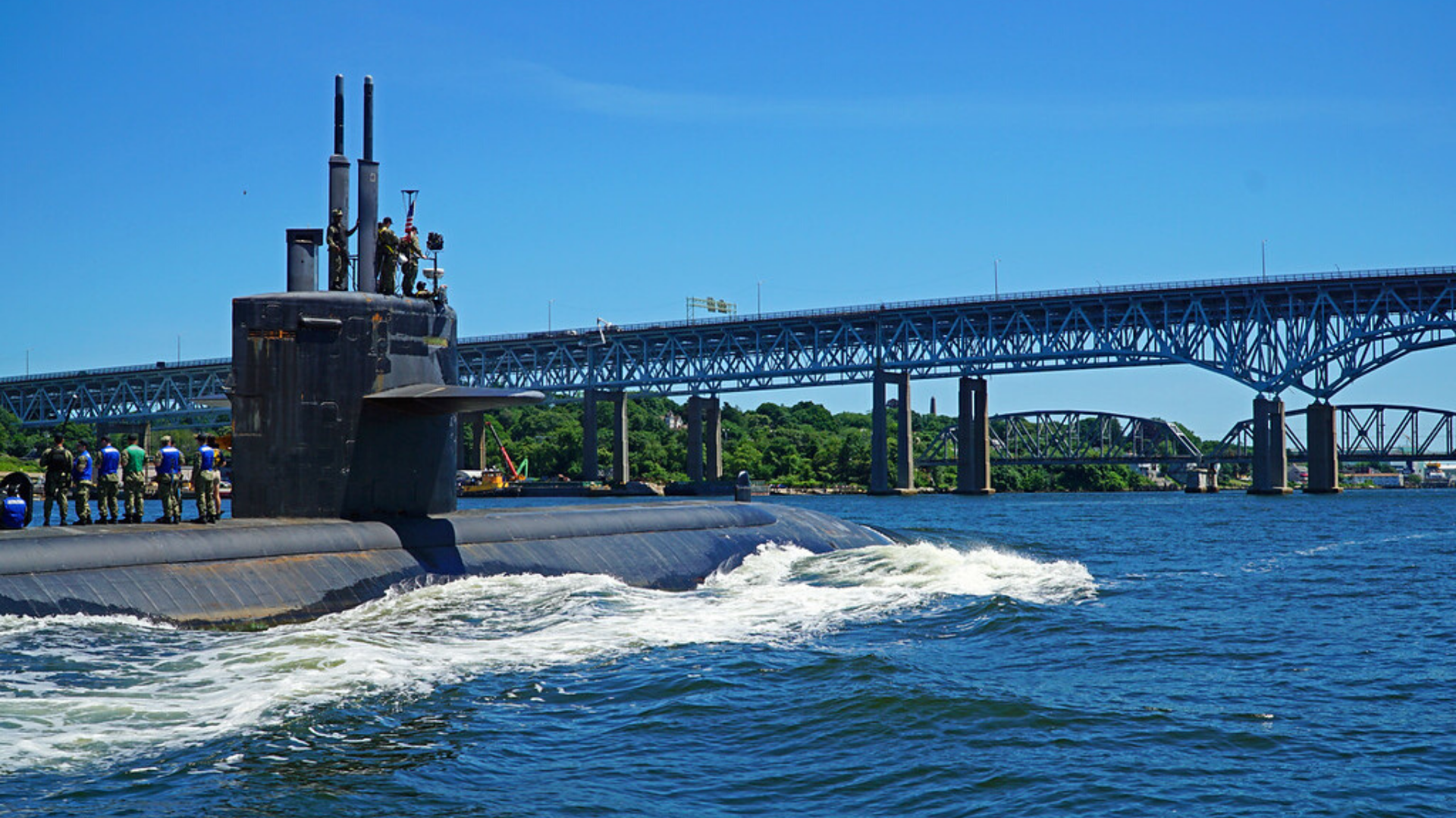 Boat Tour: Submarines, Battlefields, and Betrayers. Military Stories on the Thames.
